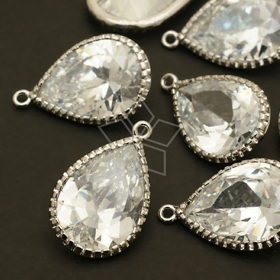 ZC-121-OR // 2 Pcs - Vintage Cubic Zirconia Pear Drop (L-size), with Silver Plated Frame / 13mm x 20mm