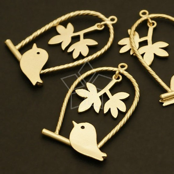 PD-199-MG / 2 Pcs - Skylark on the swing Pendant, Matte Gold Plated over Brass / 19mm x 33mm