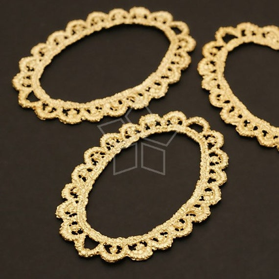 AC-356-MG / 2 Pcs - Lace Oval Pendant, Matte Gold Plated over Pewter / 31mm x 45mm