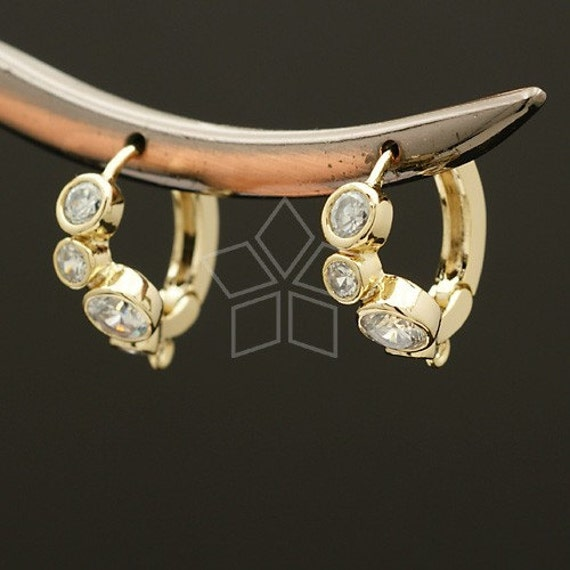 SI-202-GD / 2 Pcs - Stone Settings Earring Findings, 16K Gold Plated over Brass Body with .925 Sterling Silver Post / 16mm