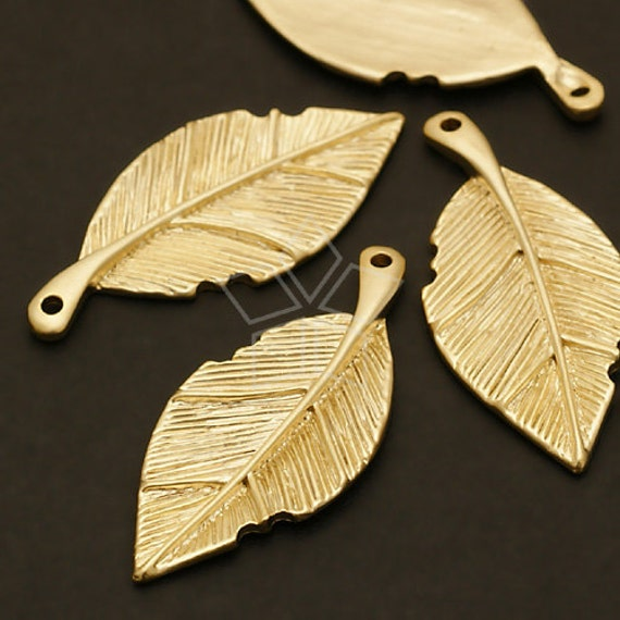 PD-269-MG / 4 Pcs - Golden Leaf Pendant, Matte Gold Plated over Pewter / 14mm x 32mm