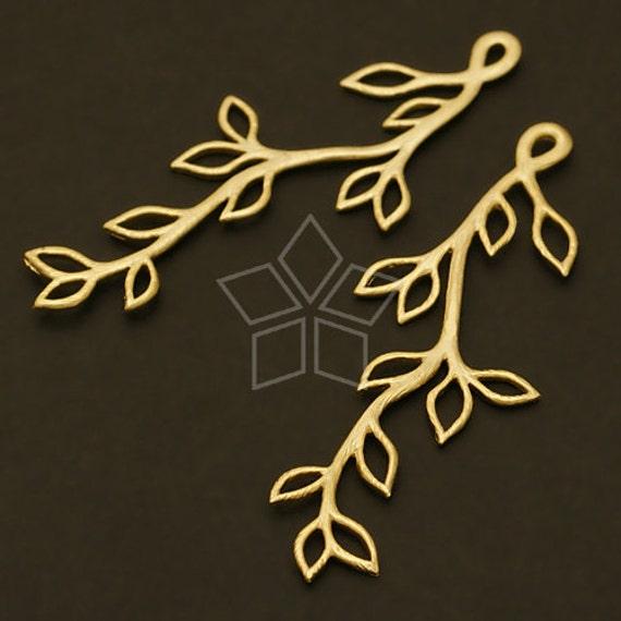 PD-267-MG / 2 Pcs - Wild Grass Pendant, Matte Gold Plated over Brass / 18mm x 47mm