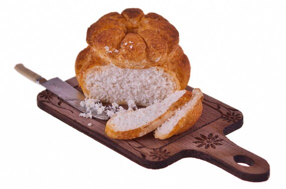 cottage loaf,bread  board and knife miniature