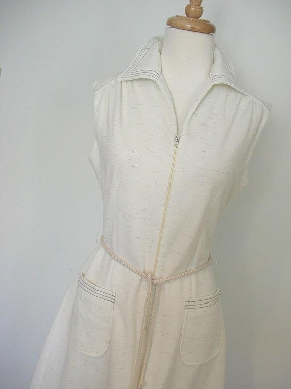 1970s White Jumpsuit / womens jumper / womens jumpsuit / culottes / zip up / gauchos / resort  wear / hipster / medium