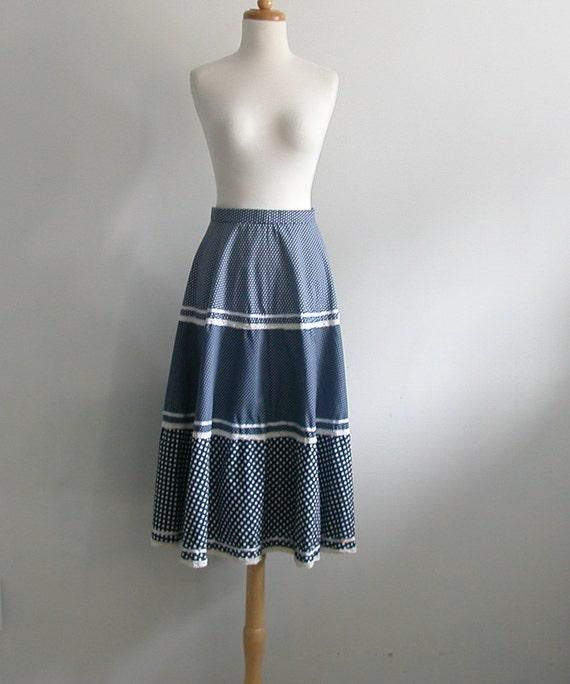 Vintage Blue Polka Dot Skirt / crochet skirt / 70s skirt / western skirt / tiered skirt / rockabilly skirt / prairie / med
