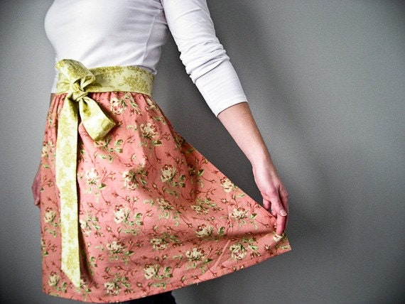 RESERVED Pretty-in-Pink Hostess Half Apron XXL