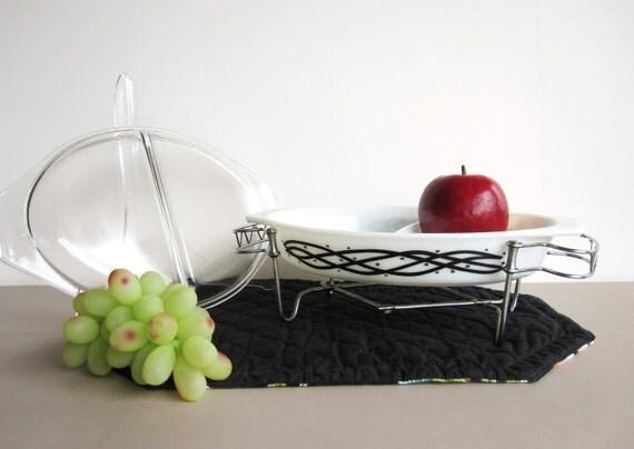 Black White Pyrex - 1 1/2 Quart Divided Casserole - Lid - Trivet - Barbed Wire 1958
