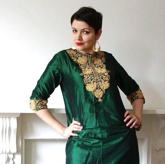 Vintage 60s dark emerald green silk gold metallic embroidered