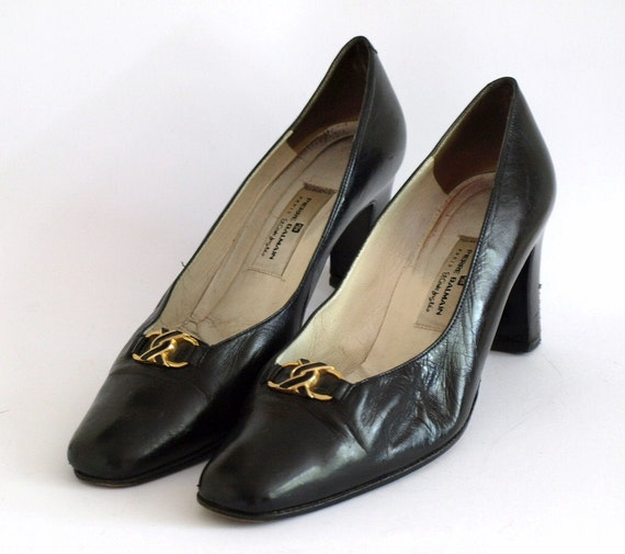 Vintage Pierre Balmain black leather block high heels with gold horseshoe buckle UK 6.5, which is US 9, EU 40