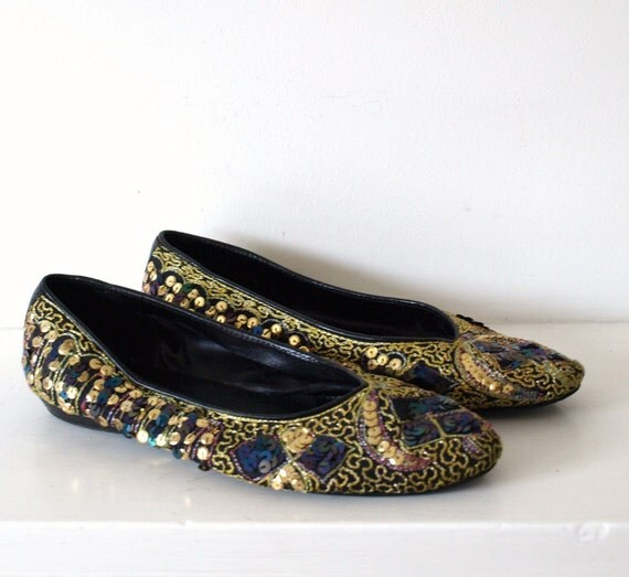 Vintage Indian boho sequinned and embroidered slipper ballet shoes with pointed toe