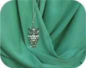give a hoot -- silver vintage inspired owl necklace