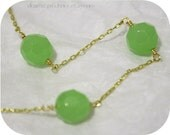 SALE -- granny smith -- vintage inspired jade and gold necklace