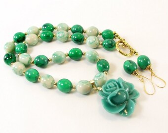 Fun In the Sun Island Jade Flower Pendant Necklace and Earring Set