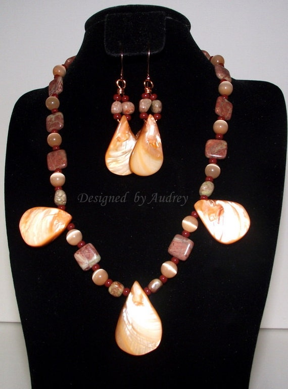 Necklace and Earring Set - Peach Shell Pearl and Autumn Jasper Necklace and Earrings - Peach Necklace Set