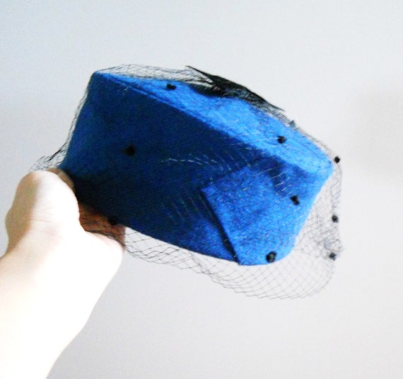 Vintage 1950s Bright Blue Felted Pillbox Hat with Bow