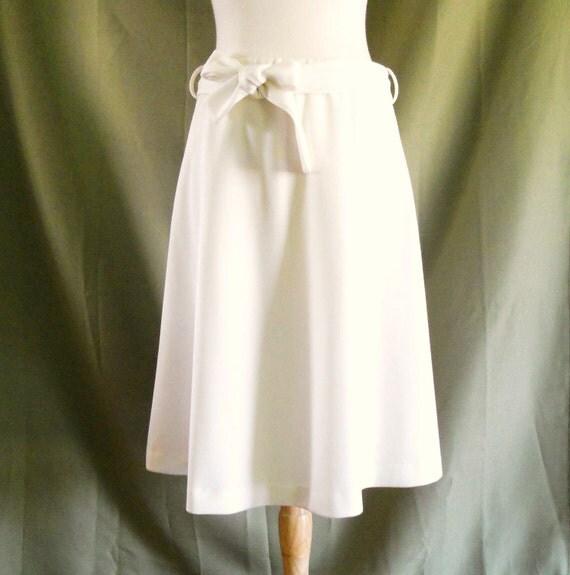 Vintage 1960s White A Line Skirt Sz 12