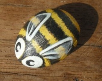 SALE, Bee Cute  Handpainted Magnet rock painting handpainted stone miniature painted rock
