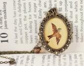 Vintage Art Pendant Necklace - The Little Sparrow