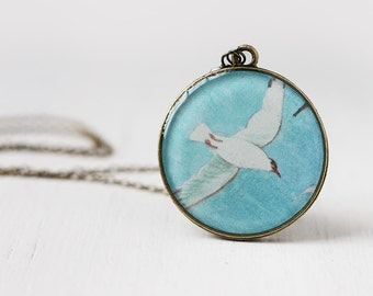 Seagull Bird Vintage Art Round Pendant Necklace - Blue Skies, Nautical