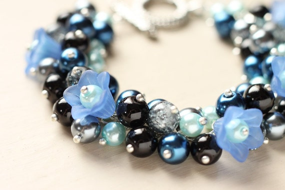 Bridesmaid Jewelry Pearl Cluster Bracelet - Midnight Bloom