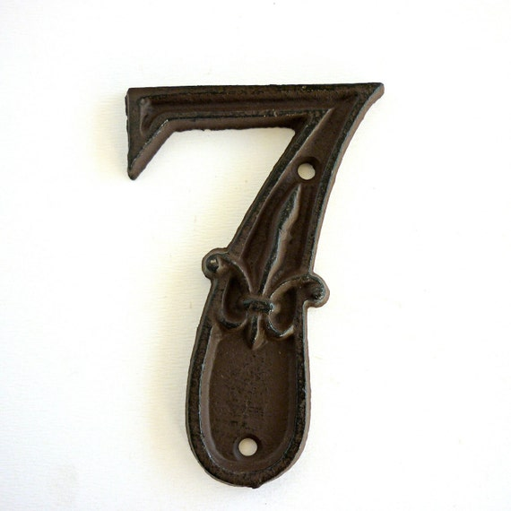 Vintage Number 7 Cast Iron