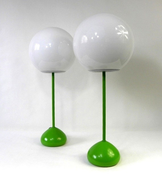 ultra mod pair of lime green table lamps 1960 39 s by cathodeblue. Black Bedroom Furniture Sets. Home Design Ideas