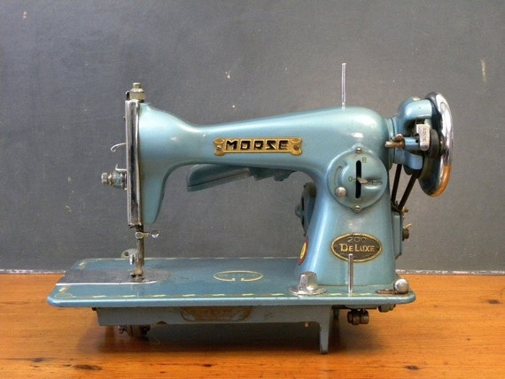 RESERVED / Gorgeous Metallic Blue Morse 200 DeLuxe Sewing Machine, 1950's, Amazing Color
