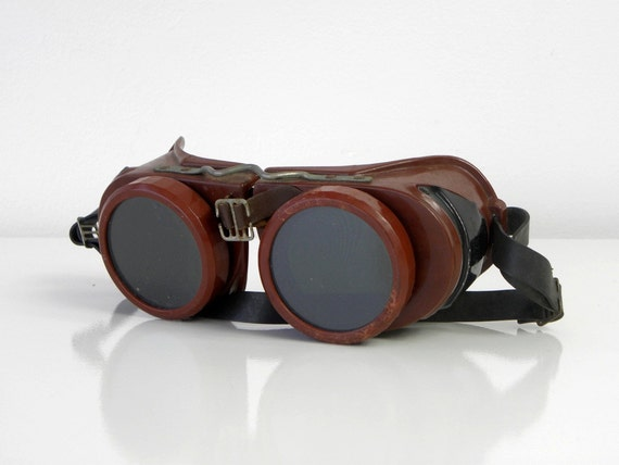 Vintage Welding Goggles, Burgundy Bakelite, Industrial, Welsh Mfg, Type B, Steampunk
