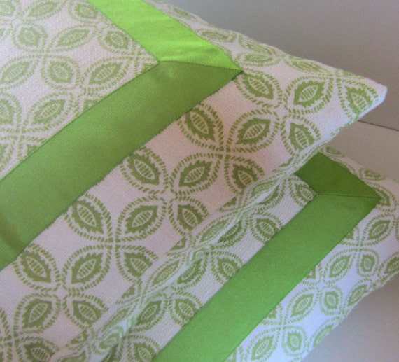 SUMMER SALE 50% 0ff - Set of Two Decorative Pillows 22 inch Annie Selke leaf pattern cream and spring green ribbon embellishment