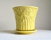 Vintage McCoy Pottery Flower Pot -- Yellow Daisies