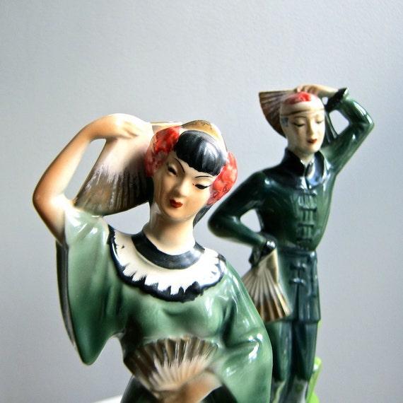 Pair of Asian Fan Dancer Ceramic Figures - Hollywood Regency