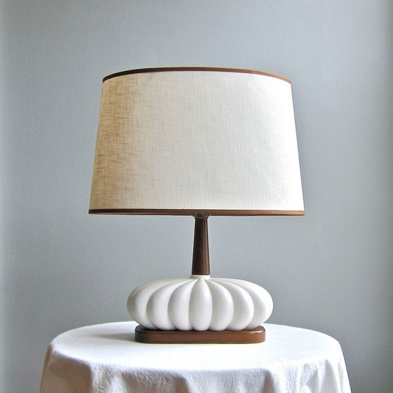 Mid Century Modern Table Lamp - White Ceramic and Walnut 1960s