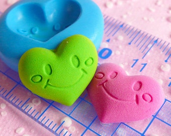 Smiley Heart Mold 18mm Flexible Silicone Mold Jewelry Bead Mold Fondant Gumpaste Mini Cupcake Topper Scrapbooking Mold Clay Push Mold MD516