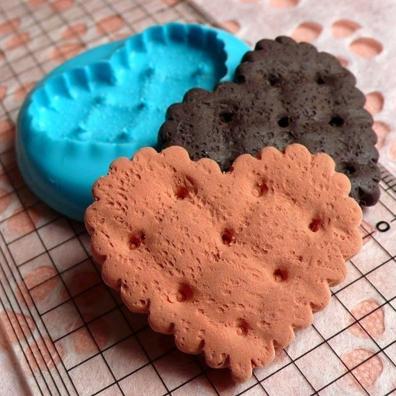 Heart Cookie / Biscuit (35mm) Silicone Mold Flexible Mold - Miniature Food, Jewelry, Charms (Resin, Clay, Paper Clay, Fimo, Gum Paste) MD157