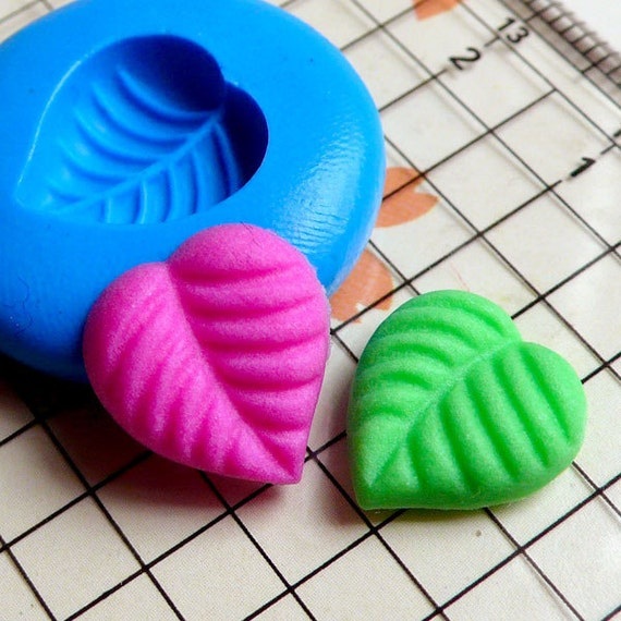 Leave Leaf (13mm) Silicone Flexible Push Mold - Jewelry, Charms, Cupcake (Clay, Fimo, Casting Resins, Wax, Soap, Gum Paste, Fondant) MD802