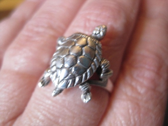 Vintage Sterling Silver Turtle Ring with Movable Head, Arms, Legs, and Tail Size 6.5