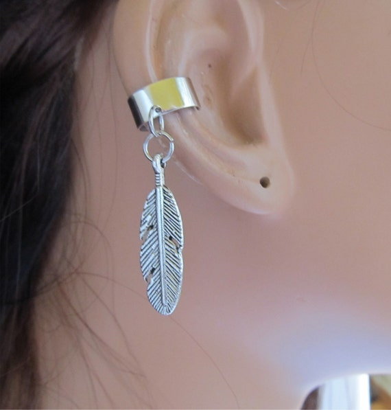 silver ear cuff cartilage non pierced feather charm. Black Bedroom Furniture Sets. Home Design Ideas