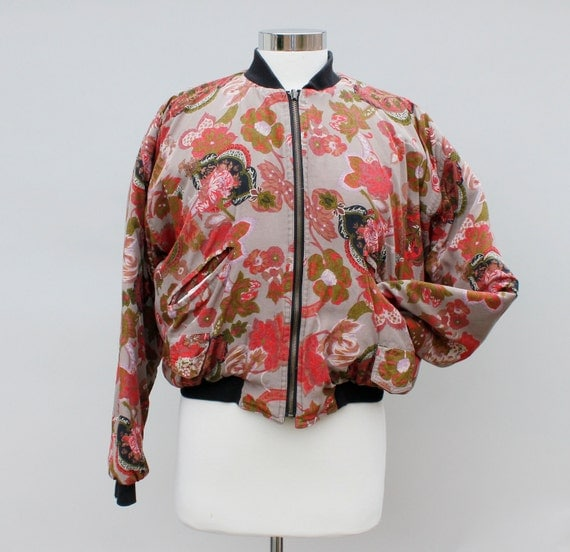 80s Vintage Quilted Floral Cropped Jacket - LARGE / medium