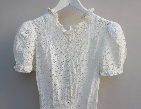 10s / 20s Vintage lace eyelet cotton dress, tea dress, Edwardian, Victorian, Downton Abbey, very good condition