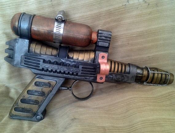 Liquid Hydrogen Spray Blaster, steampunk ray gun