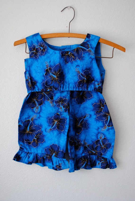 vintage girl blue hawaiian 1960s outfit