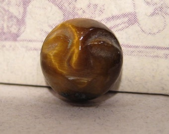 Tigereye ...... Carved Face Cabochon...    10 mm ... ...  (TEF10ma)