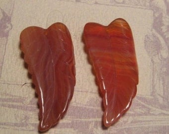 Agate Leaf Beads ..............   2 pieces ..... 47 x 23 x 7 mm     ........   (ALb47/23-7)