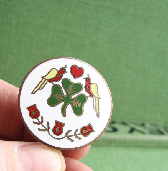 vintage dutch hex irish lapel pin - white
