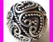 2pcs Sterling Silver Round Ornate heart design Bali Bead 10mm B174