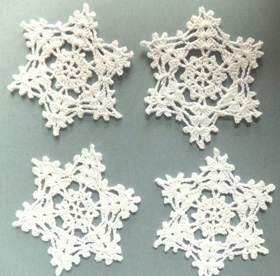 Christmas snowflakes, crocheted coasters, holiday decorations, ornaments /set of 4/