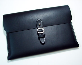 Leathinity - Hand Stitched Black Leather Case Fits for 13'' MacBook Pro / Retina