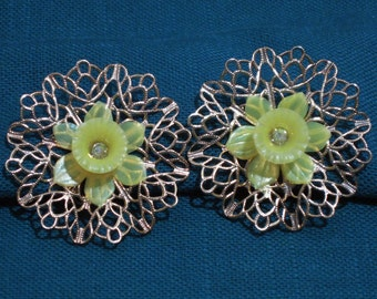 Large Daffodil Filigree Clip On Earrings  1960s NEW OLD STOCK...csc32