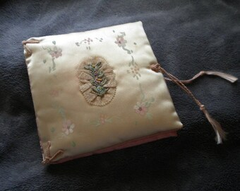 x Vintage x Padded Ribbonwork Hankie Folder Cream and Peach (FF178)
