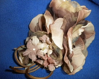 x CORSAGE Vintage Ombre Fabric Flower with pin (FF238)